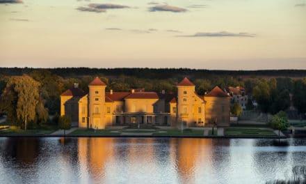 Schloss Rheinsberg: Der Musenhof am Grienericksee