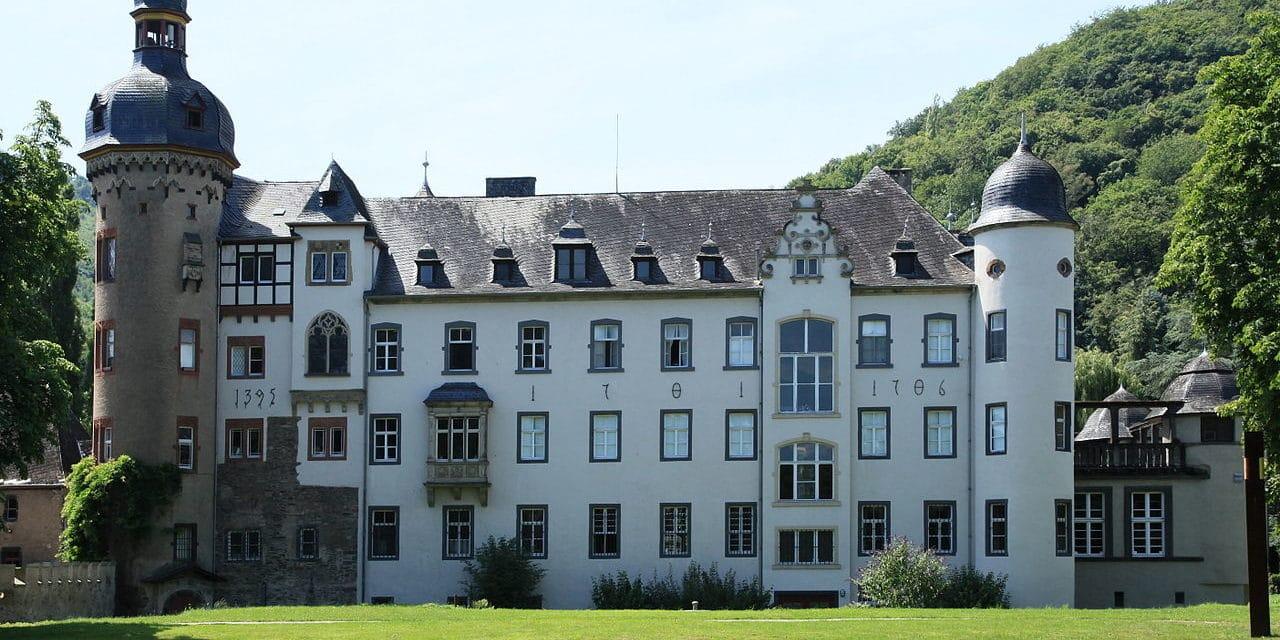 Schloss Burg Namedy in Andernach