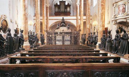 """Die Hofkirche Innsbruck und die """"Schwarzen Mander"""""""