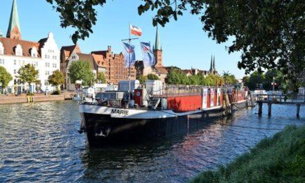 Das Theaterschiff Lübeck