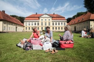 Picknick auf Gut Emkendorf © Axel Nickolaus