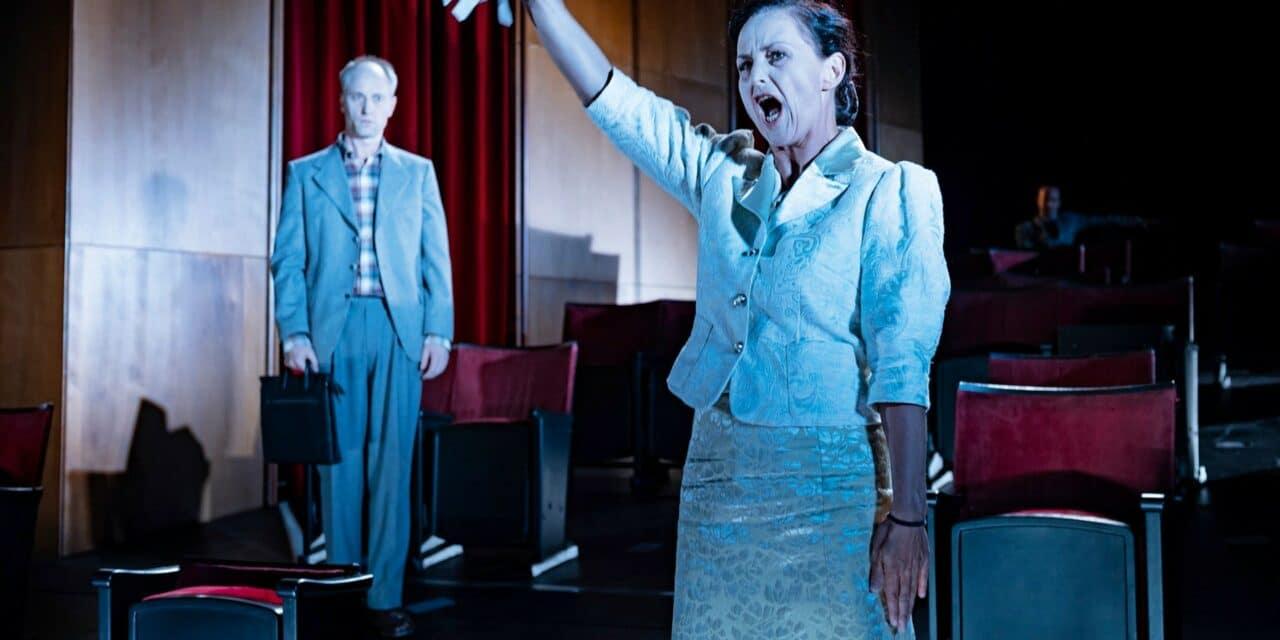 TAK Theater Lichtenstein im Schaan: Jeder stirbt für sich allein